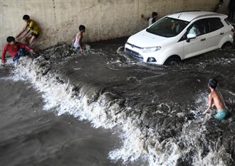 Delhi grapples with waterlogging