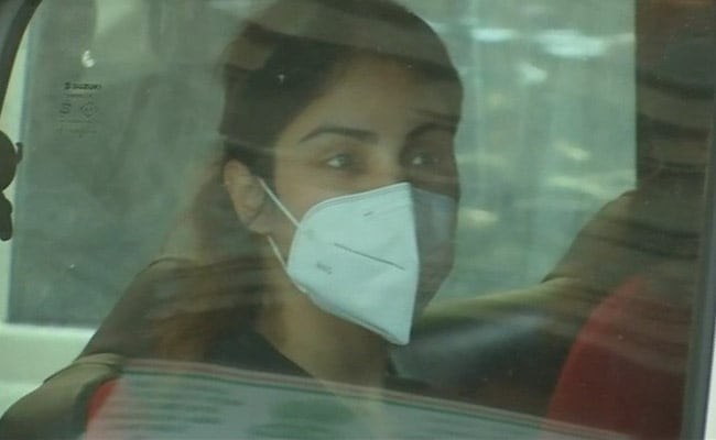 Procured drugs in small quantities for Sushant Rajput, Rhea Chakraborty says in her bail plea
