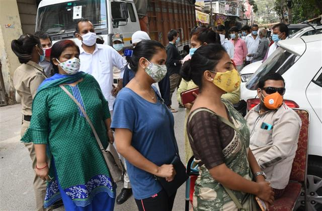 COVID-19 caseload races past 62 lakh, death toll nears 1 lakh