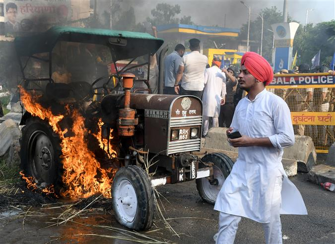 Police use water cannon to stop Punjab Youth Cong workers from entering Haryana