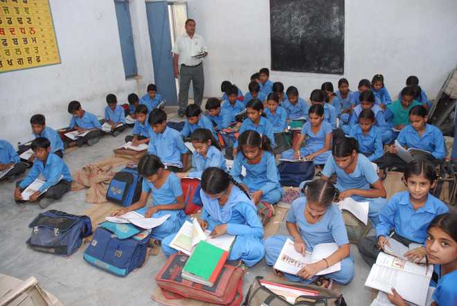 45 pvt schools in Delhi summoned by child rights panel for allegedly denying books to EWS students