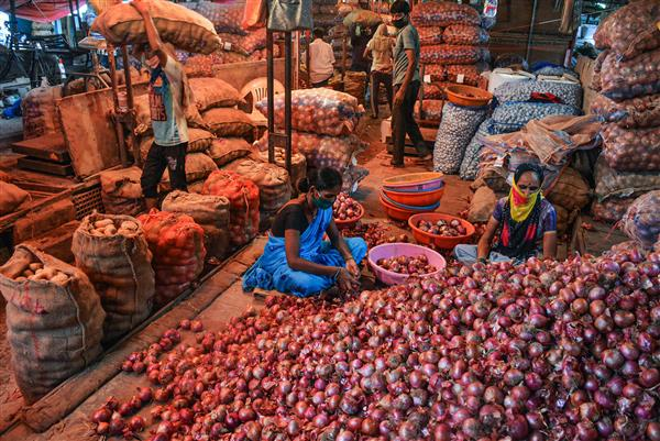 India releases onions to 3 neighbouring countries to stop Pak, China from filling breach