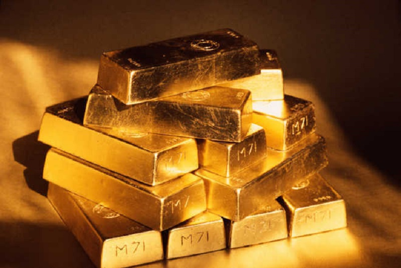 Gold slips Rs 191, silver declines Rs 990