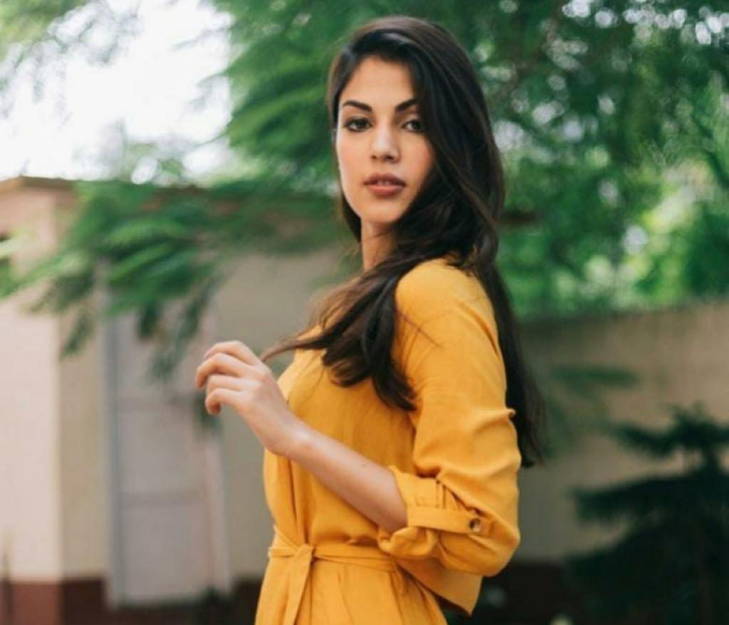 Film personalities and others sign 'open letter' calling out Rhea Chakraborty's media 'witch-hunt'