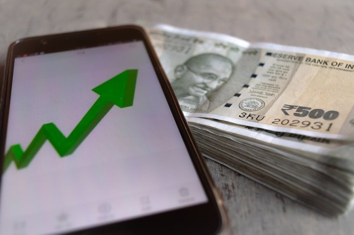 Rupee pares early gains, settles 5 paise higher at 73.48 against US dollar