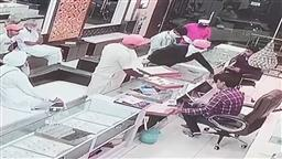 Six robbers loot jewellery worth Rs 2.5 cr at gunpoint in Bathinda