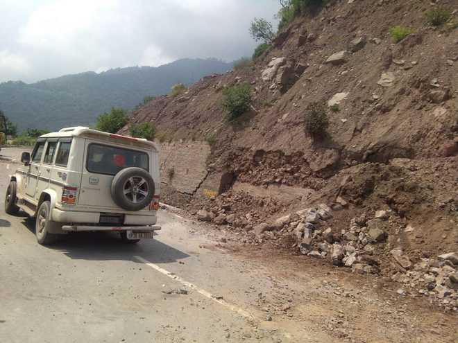 Shoddy road work in Solan leads to erosion of arable land