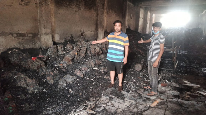 Goods worth lakhs destroyed in fire at mill on Tajpur Road