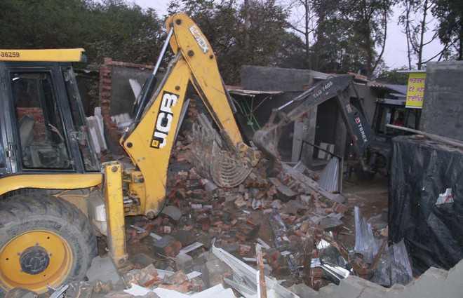 5 illegal shops razed in Yamunanagar colony