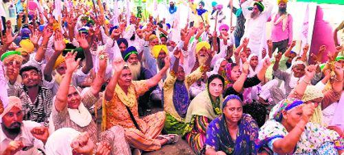 Women lead agitation over farmers' demands