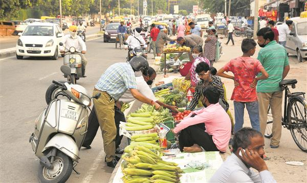 Tomatoes costlier than apples!