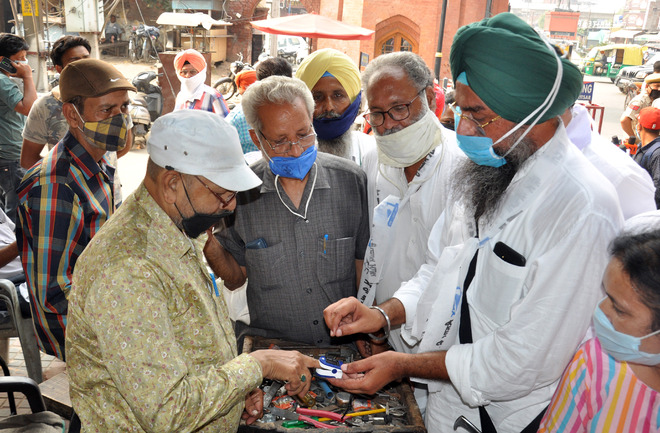 5 Amritsar residents succumb to virus, 400 new infections