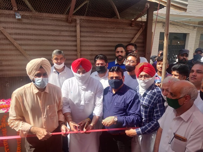 Mayor inaugurates tube wells, says will resolve drinking water problem