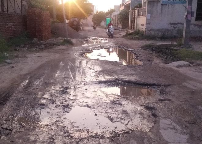 Kharar roads offer a bumpy ride