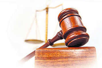 High Court  imposes Rs 1-lakh costs for concealing filing of civil suit