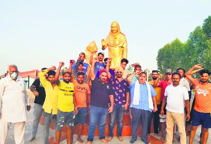 Demand for Bharat Ratna to Bhagat Singh gathers pace