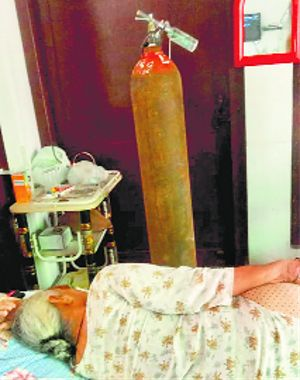 Fearing shortage, locals stock up medical oxygen cylinders
