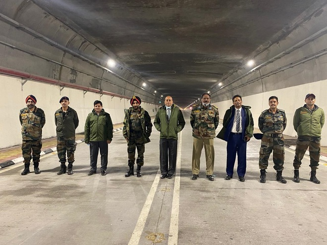Defence Secy visits Rohtang  tunnel ahead of inauguration
