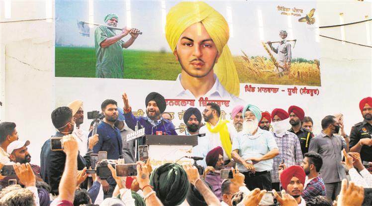 Navjot Singh Sidhu asks Punjab farmers to elect 'own MLAs'