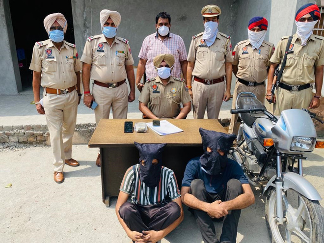 Rs2.80 L  robbery case solved, 2 held in Ludhiana