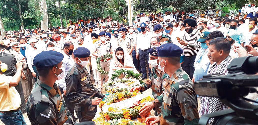 Mukerian martyr Subedar Rajesh Kumar cremated with full military honours