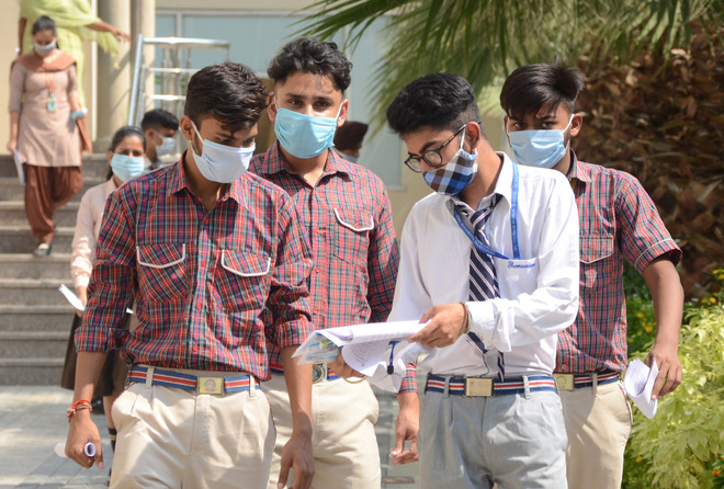 Amid contagion, 600 students give CBSE compartment exams in Jalandhar