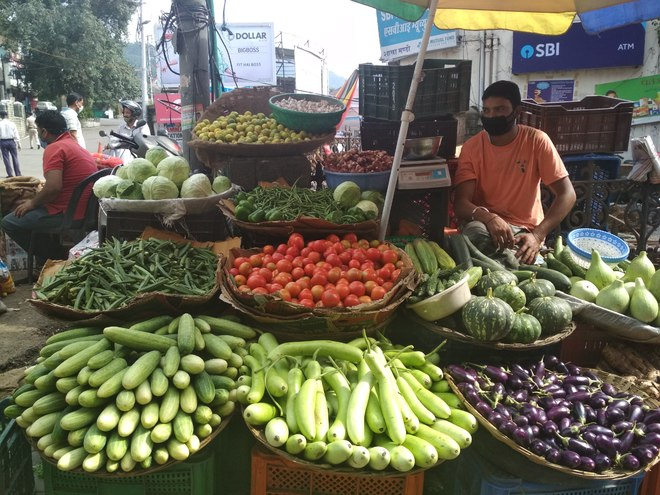 Soaring veggie prices hit kitchen budget in Mandi