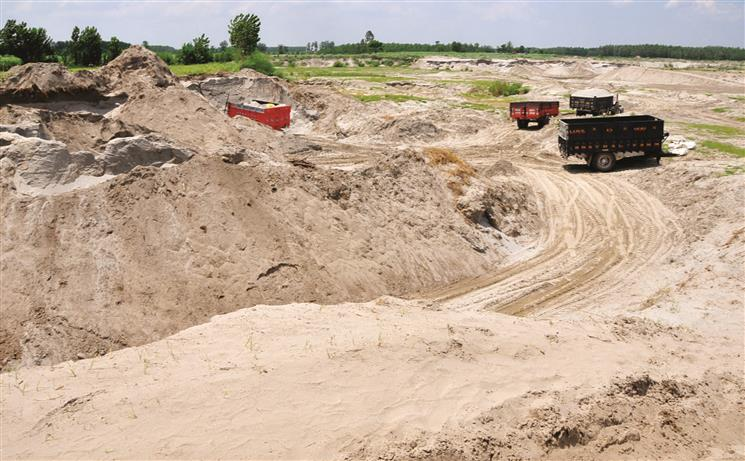 Sand, gravel prices go up 50% in a month in Punjab