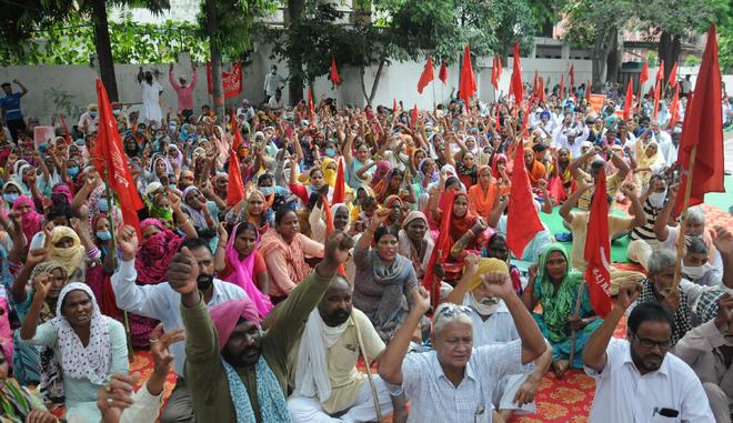 Labour unions protest, demand loan waiver in Jalandhar